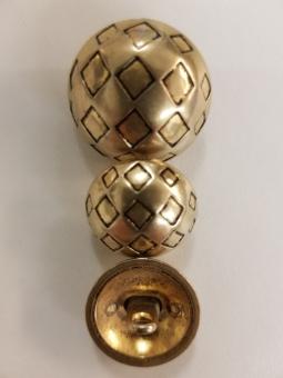 Goldener Kugelknopf