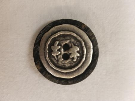 Trachtenknopf mit einem Innenteil aus Metall 28mm
